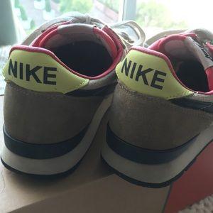 Nike Shoes - Vintage Nike Internationalist
